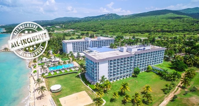 The IBEROSTAR is approximately 30 miles from the Cancun Airport, just a few minutes from Playa del Carmen. The resort is situated directly on the beach, within view of the island of Cozumel.